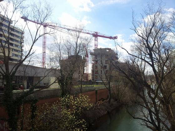 Neu Ulm Jahnufer Wohnen am Jahnufer  Alte Produktionsgelände der Firma Lebkuchen Weiss und die Flussmeisterei März 2014 (2)