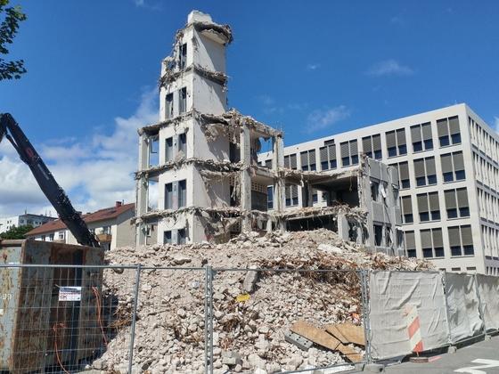 Abriss Justizhochhaus Olgastrasse August 2017