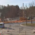 Betonieren des Fundamentes für das Gleis bergab vor der Uni Süd