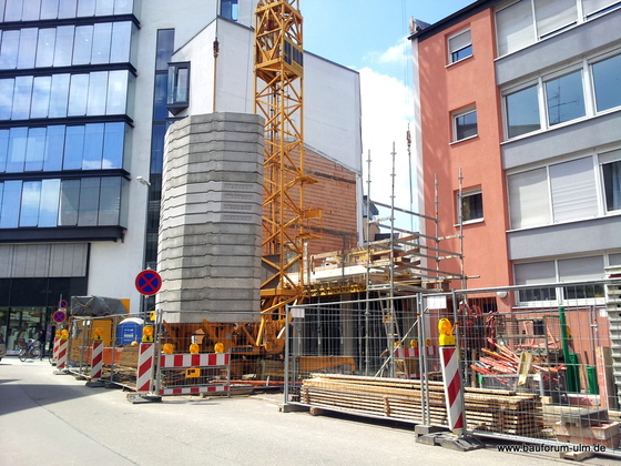 Neu Ulm Erweiterungsbau Ärztezentrum A4  Donaustraße Juni 2013