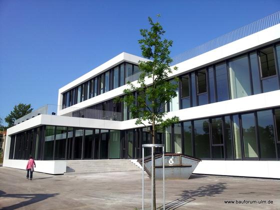 Ulm Ziegelländeweg Design-Schule an der Donau Juli 2013 (6)