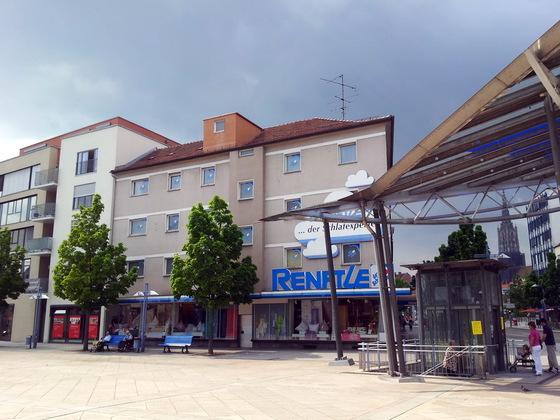 Neu Ulm  Wohn- und Geschäftshaus  Ecke PetrusplatzMarienstraße (3)