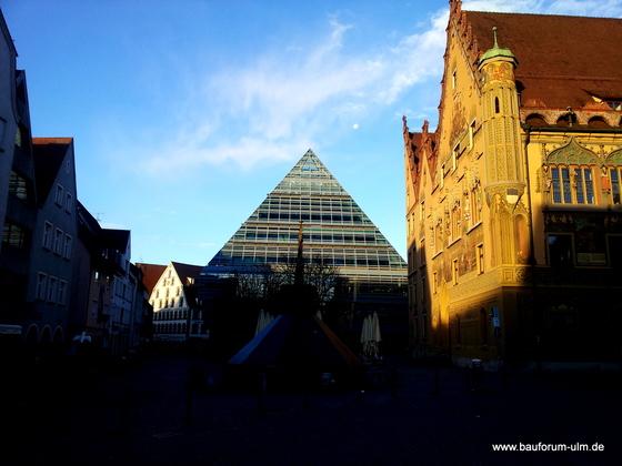 Ulm Glaspyramide Stadtbibliothek Schönste Bausünde Deutschlands  (2)